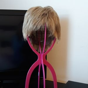 Cool light weight wig